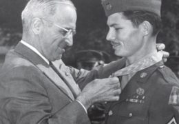 desmond-doss-adventist-receives-medal-of-honor-movie-hacksaw-ridge